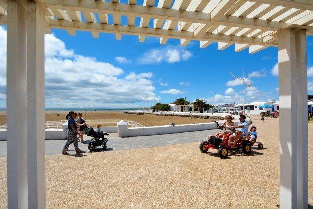 verschiedene Aktivitäten an der Promenade möglich