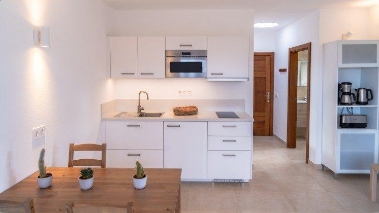 LZ 169479-1 Esstisch+Küchenzeile, Wohnung Querida