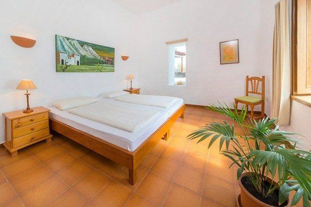 Schlafzimmer mit zwei Einzelbetten, Wohnung 2