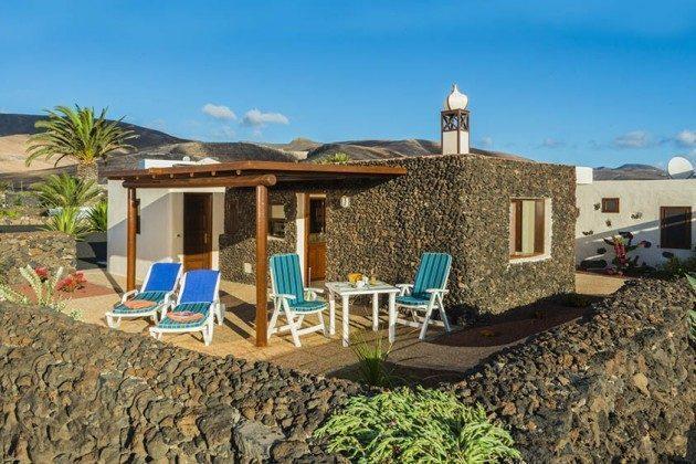Ferienhaus mit Terrasse, Wohnung 1