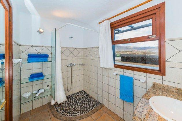 Badezimmer mit Dusche im Haus LZ 169479-5 Vista Luna