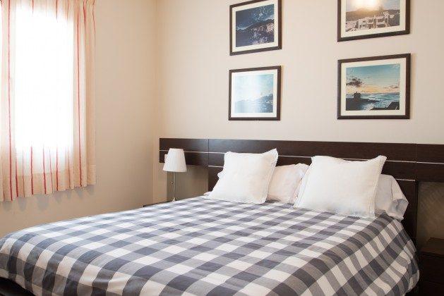 LZ 192733 weiteres Schlafzimmer mit Doppelbett
