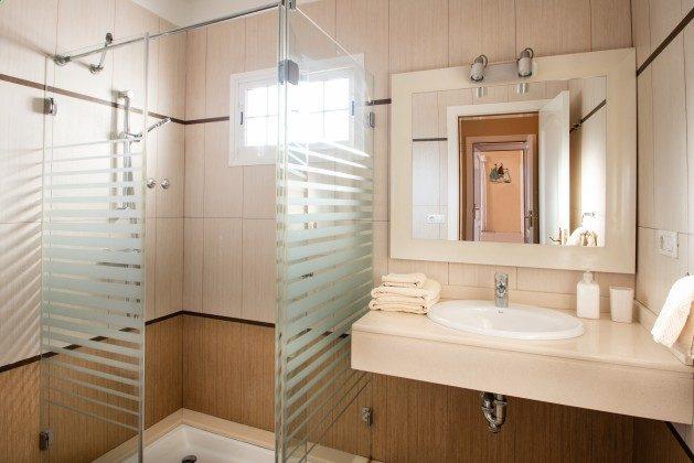 LZ 192733 Badezimmer mit Dusche
