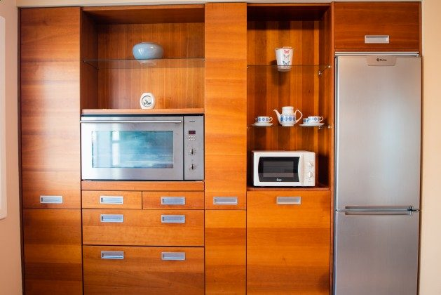 LZ 192733 Küchenzeile mit weiteren Geräten