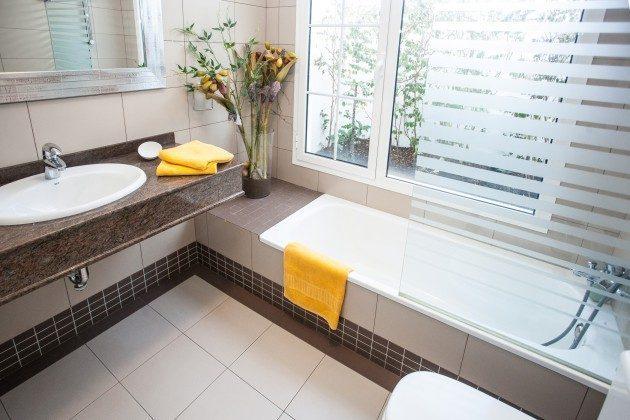 LZ 192733 Badezimmer mit Wanne
