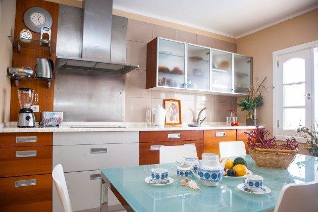 LZ 192733 gut ausgestattete Küche mit Essplatz