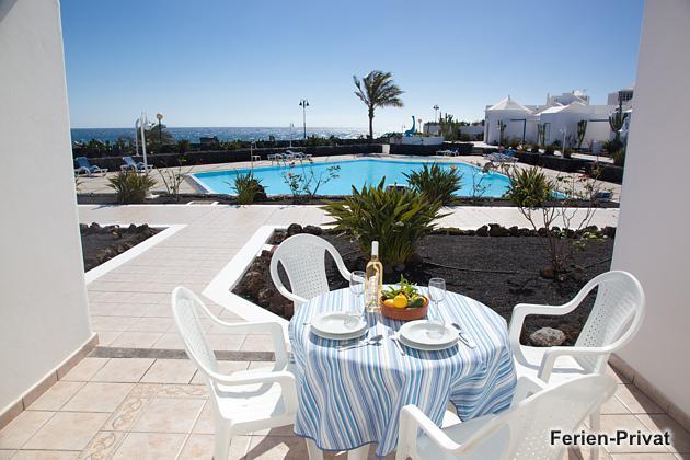 Lanzarote Bungalow mit Terrasse und Meerblick