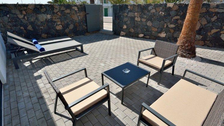 LZ 110068-81 Wohnbeispiel Zugang Terrasse
