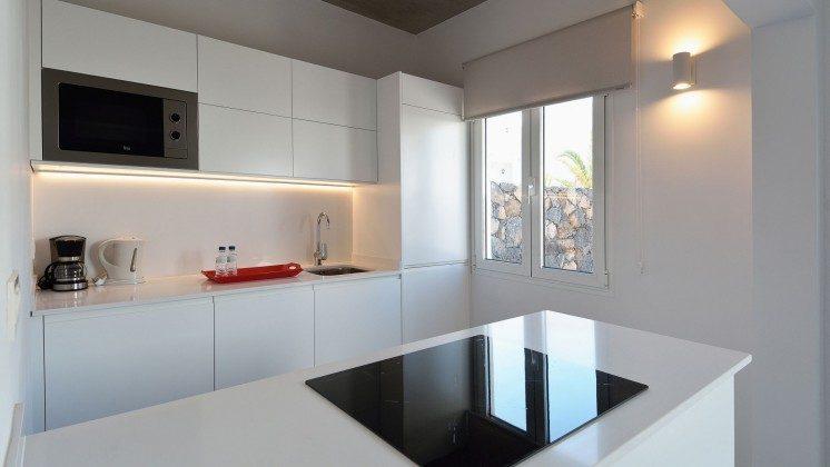 LZ 110068-81 Wohnbeispiel gut ausgestattete Küche
