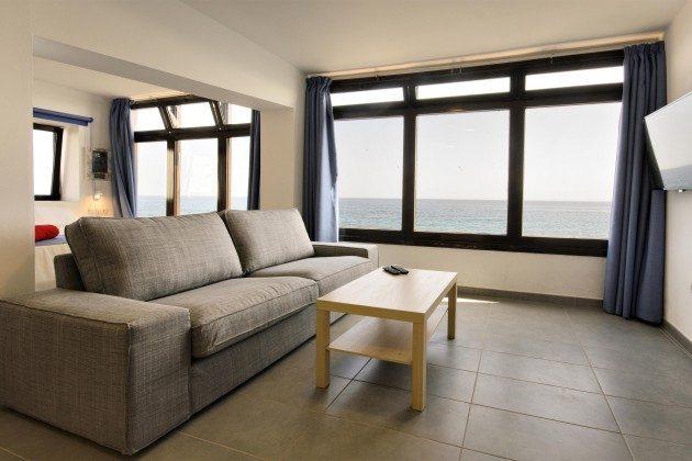 LZ 144288-41 heller, geräumiger Raum mit großen Fenstern