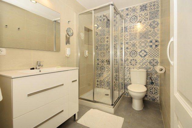 LZ 144288-41 Badezimmer mit Dusche