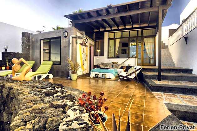 Terrasse teils überdacht