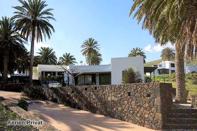 Lanzarote Ferienhaus auf Finca mit Pool