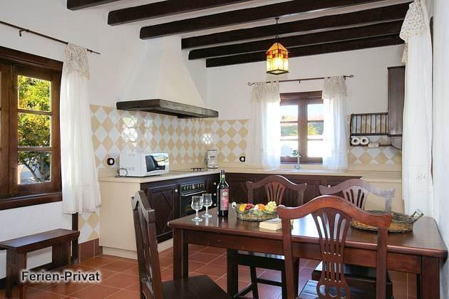 Wohnbeispiel Küche mit Essplatz (Ye)