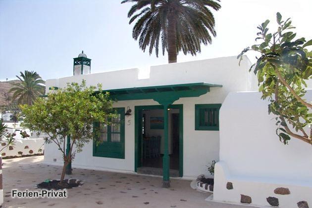 Wohnbeispiel  Aussenansicht Villa (Tabayesco)