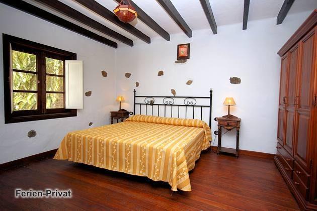 Wohnbeispiel Schlafzimmer mit Doppelbett (Arrieta)