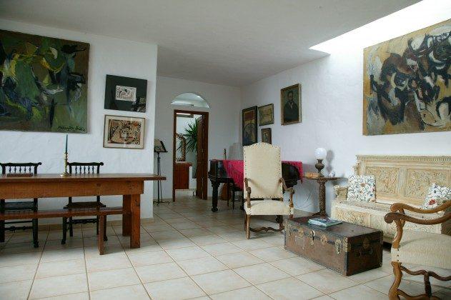LZ 184321 geräumiger Wohnraum