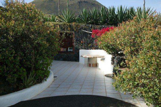 LZ 184321 Lavagarten und Terrasse