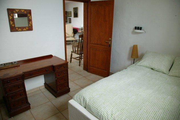 LZ 184321 Schlafzimmer mit Doppelbett