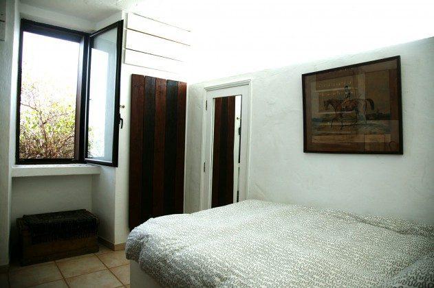 LZ 184321 zweites Schlafzimmer mit Doppelbett