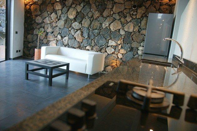 LZ 184321-2 Wohnbereich und Küchenzeile