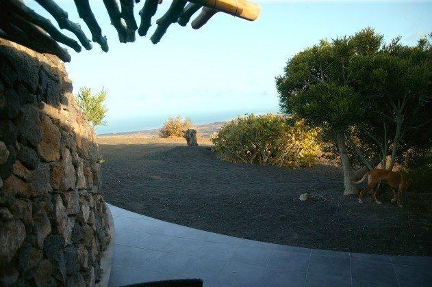 LZ 184321-2 Terrasse mit Meerblick