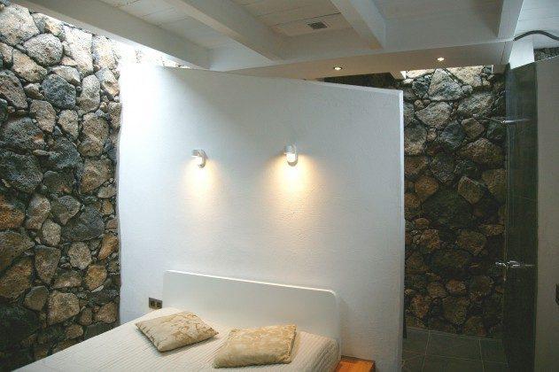 LZ 184321-2 Schlafraum mit Doppelbett