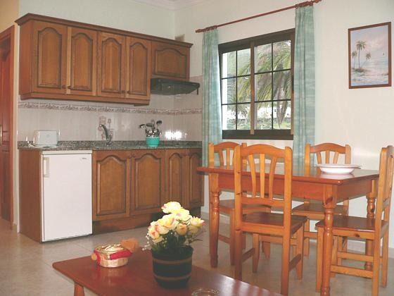 Küche und Essplatz im Apartment