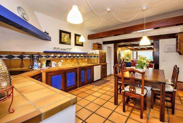 LZ 144288-37 Gut ausgestattete Küche
