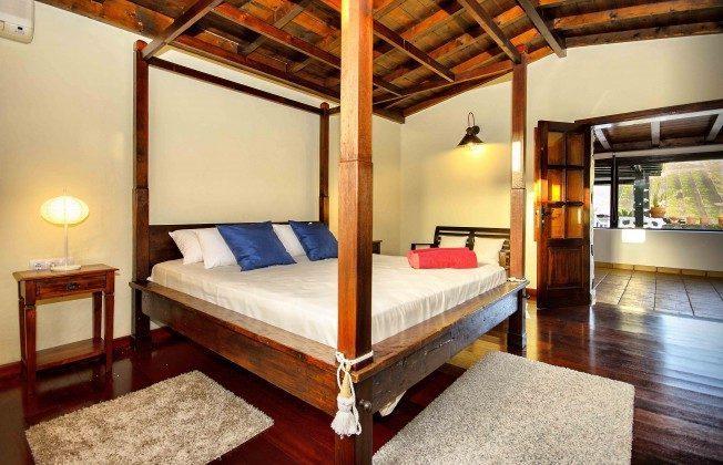 LZ 144288-37 Hauptschlafzimmer mit Doppelbett