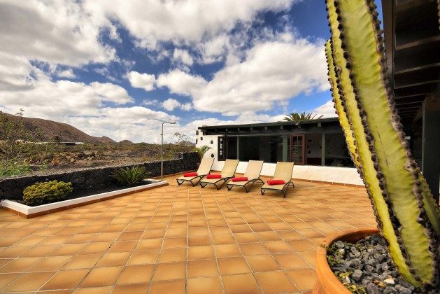 LZ 144288-37 große Terrasse