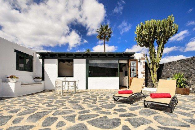 LZ 144288-38 Ferienhaus mit großer Sonnenterrasse