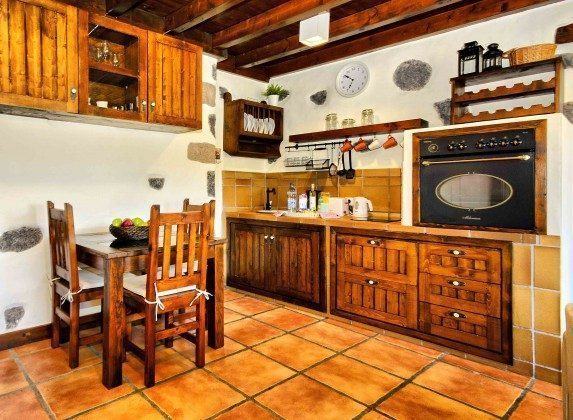 LZ 144288-38 Küchenzeile mit Essplatz