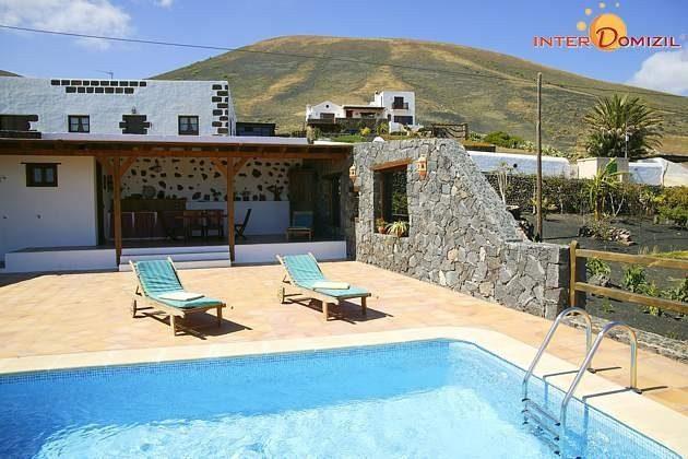 Lanzarote Finca mit Pool und Meerblick