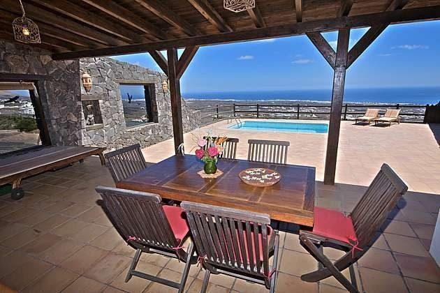 Lanzarote Ferienhaus mit Pool mit Meerblick