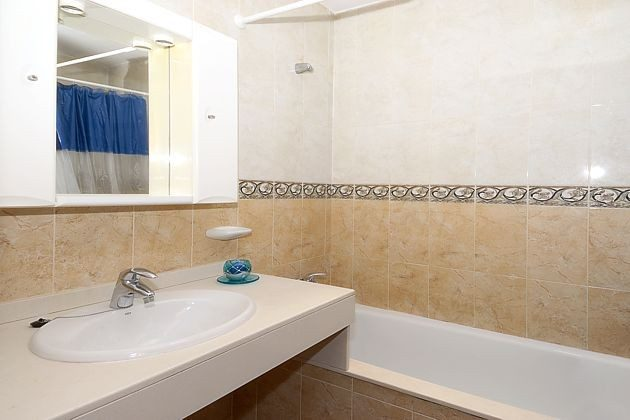 Badezimmer mit Wanne