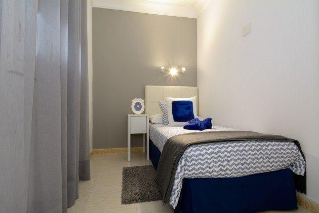Schlafzimmer mit Einzelbett LZ 110068-11