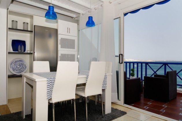 Esstisch und Küchenzeile LZ 110068-11