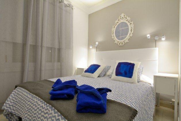 Schlafzimmer mit Doppelbett LZ 110068-11
