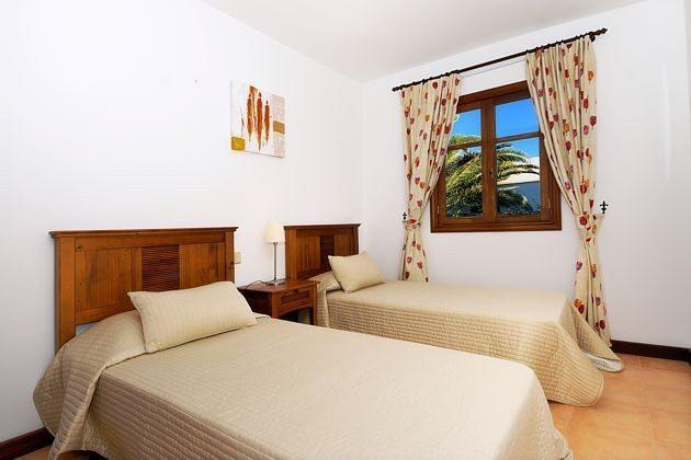LZ 110068-4 weiteres Wohnbeispiel Schlafzimmer mit Einzelbetten