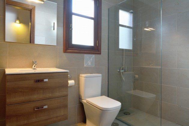 Wohnbeispiel Badezimmer mit Dusche in Objekt LZ 110068-4