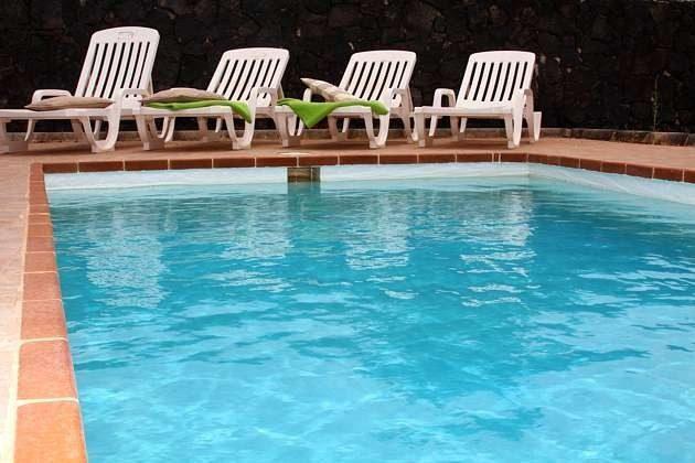 Spanien Kanaren Insel Lanzarote Villa mit privatem Pool