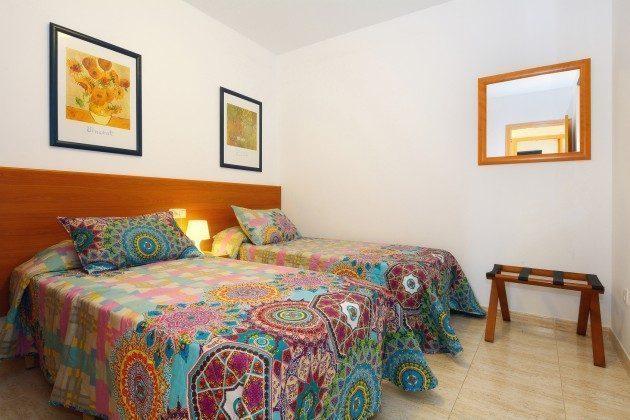 110068-5 Schlafzimmer mit Einzelbetten, 2 C