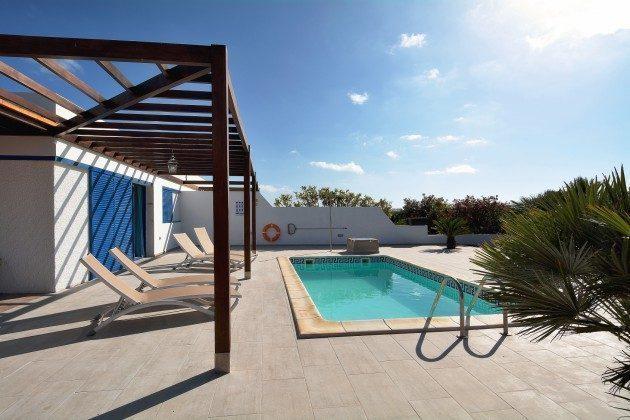 Spanien Kanarische Inseln Lanzarote Villa mit privatem Pool