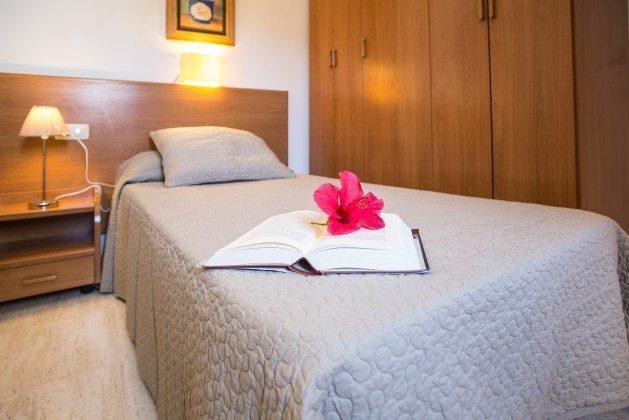 110068-5 Schlafzimmer mit zwei Einzelbetten, Villa 1 V