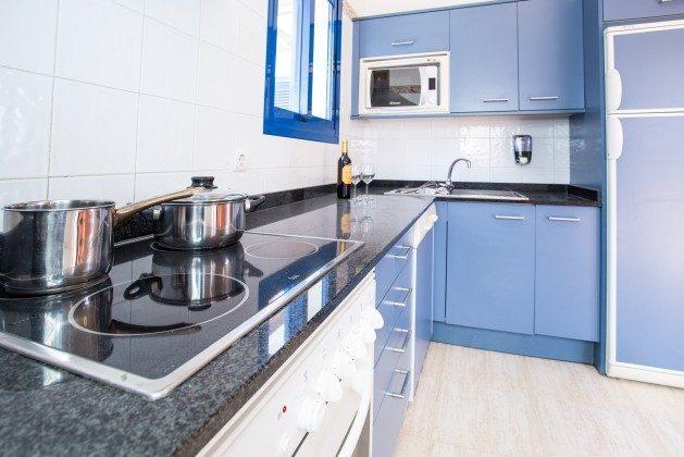 110068-5 gut ausgestattete Küchenzeile, Villa 1 V
