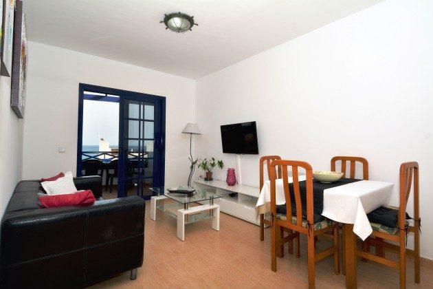 LZ 110068-65 Wohn-/Esszimmer mit Zugang zur Terrasse