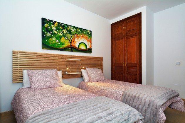 LZ 110068-71 Schlafzimmer mit Einzelbetten