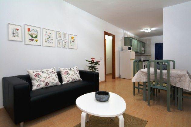 LZ 110068-71 Sofa und Esstisch