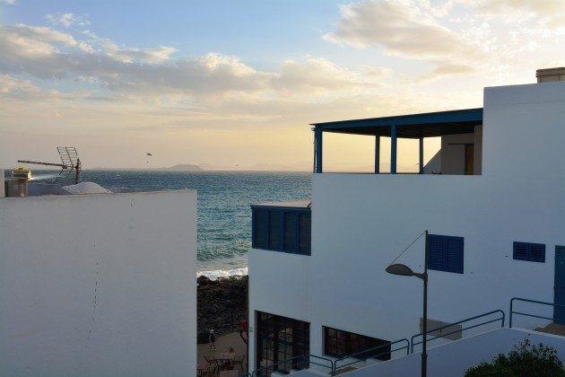 LZ 110068-71 Ausblick vom Balkon